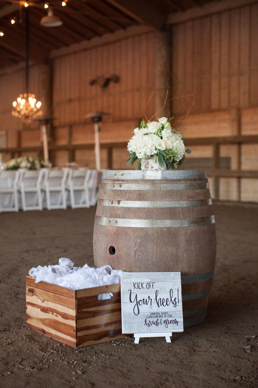 www.santabarbarawedding.com | Whispering Rose Ranch | Ann Johnson Events | Anna J Photo | Flip Flops for Guests