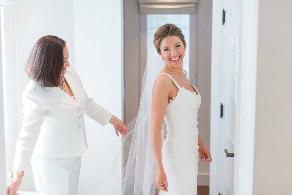 www.santabarbarawedding.com | James and Jess | Nina Moore Designs | Belmond El Encanto | Bride getting ready