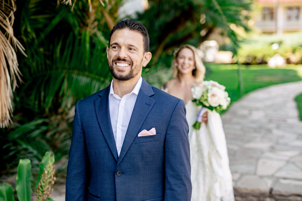 www.santabarbarawedding.com | Rewind Photography | Santa Barbara Courthouse | Elopement | First look