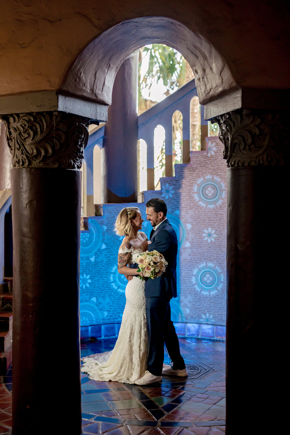 www.santabarbarawedding.com | Rewind Photography | Santa Barbara Courthouse | Elopement | Bride and Groom