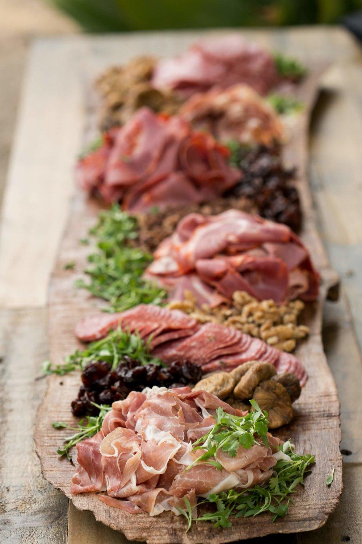www.santabarbarawedding.com | Presqu'ile Winery | Allyson Magda | Reception Meal