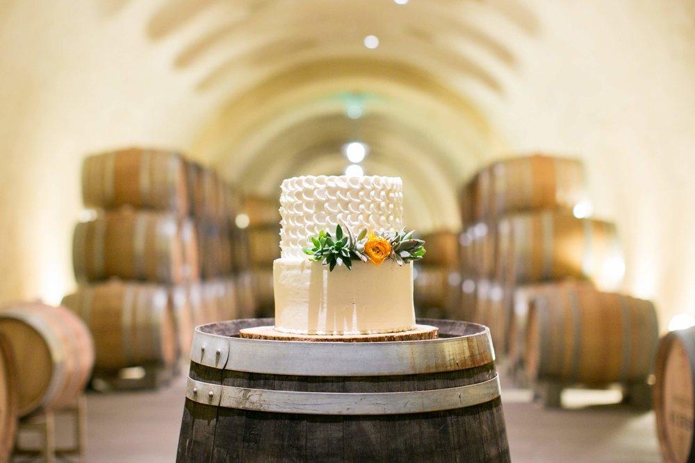 www.santabarbarawedding.com | Presqu'ile Winery | Allyson Magda | Wedding Cake