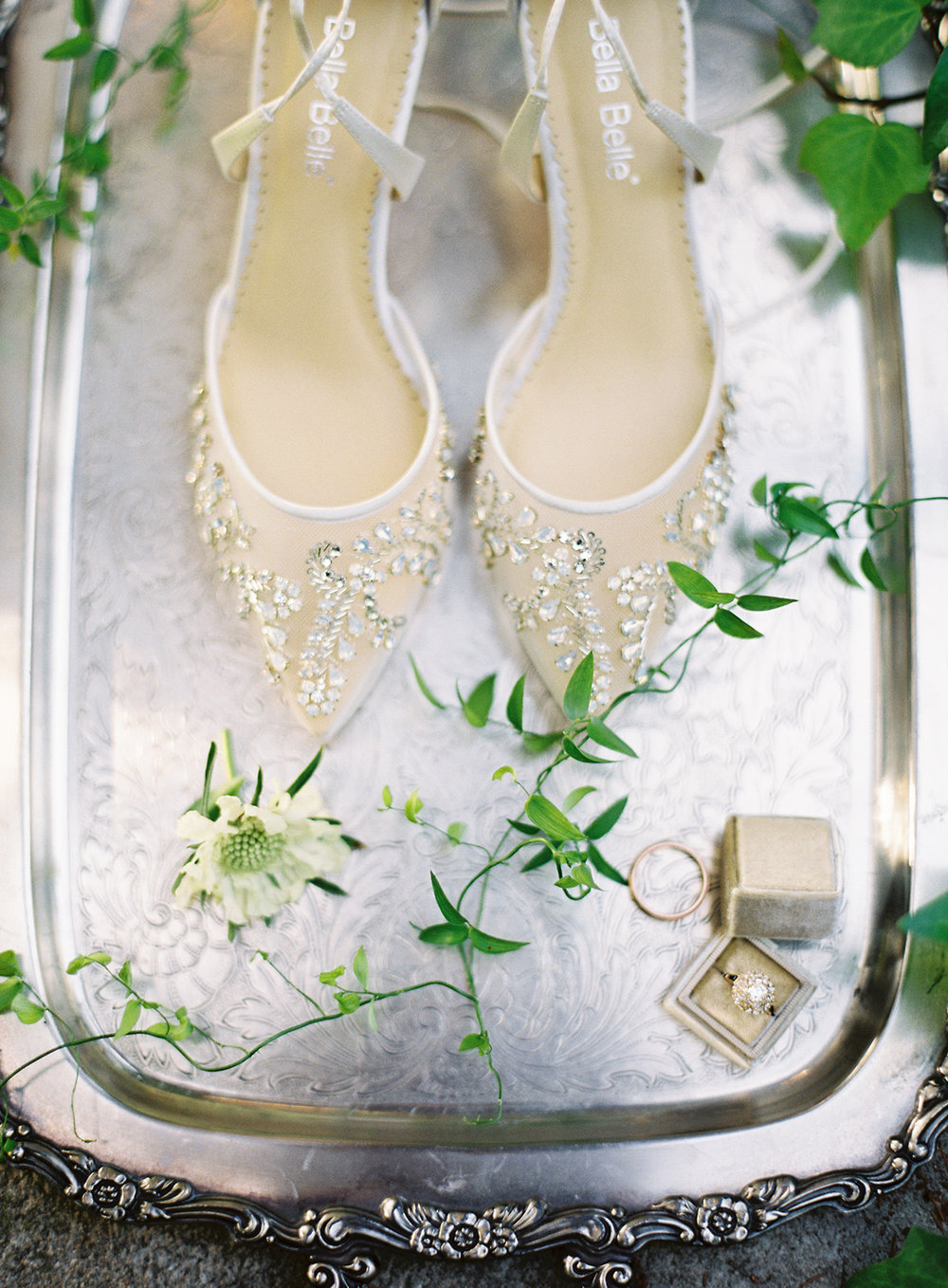 www.santabarbarawedding.com | Besame Floral | Carrie King Photography | Styled Shoot | Bride's Accessories