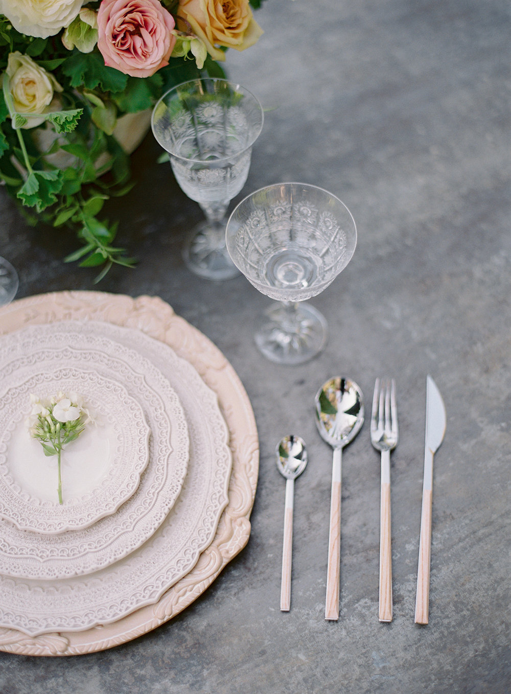 www.santabarbarawedding.com | Besame Floral | Carrie King Photography | Styled Shoot | Place Setting