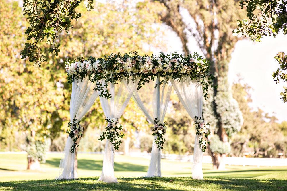 www.santabarbarawedding.com | Laurie Bailey | Ojai Valley Inn | Amber Weir Weddings | Wedding Arch