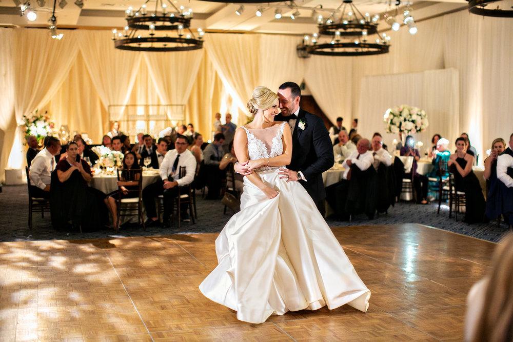 www.santabarbarawedding.com | Laurie Bailey | Ojai Valley Inn | Amber Weir Weddings | First Dance