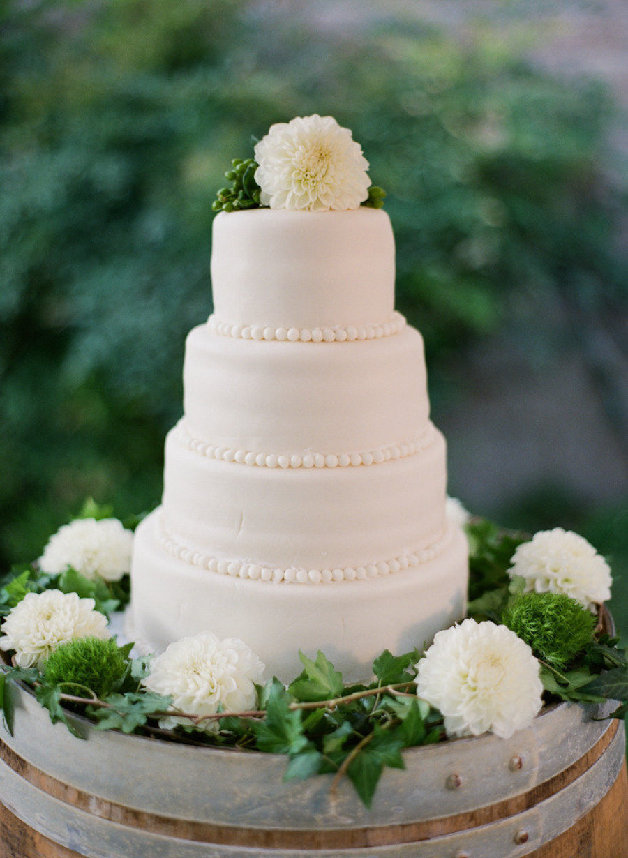 www.santabarbarawedding.com | Firestone Vineyard | Soigne Productions | Michael and Anna Costa | Wedding Cake