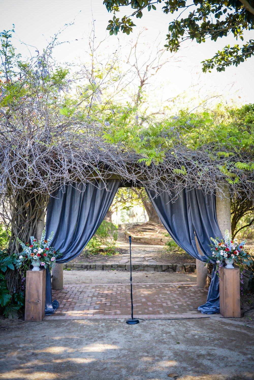 www.santabarbarawedding.com | Alice Keck Park | Santa Barbara Club | Half Full Photography | Ceremony