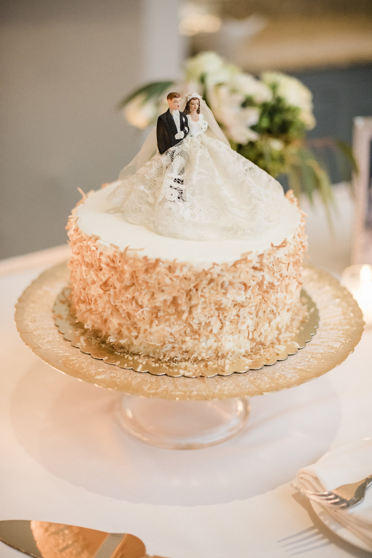 www.santabarbarawedding.com | ByCherry Photo | Hilton Beachfront Resort | Dulce Dia Events | Wedding Cake