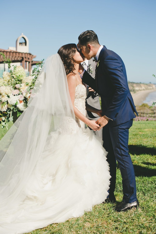 www.santabarbarawedding.com | Bacara Resort & Spa | Alegria By Design | onelove photography | The Kiss | Ceremony