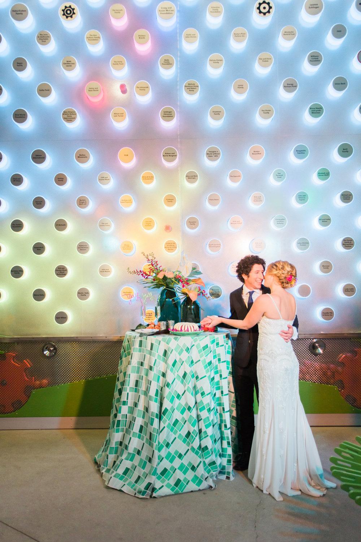 www.santabarbarawedding.com | Ann Johnson Events | MOXI | James & Jess | Bride and Groom | Styled Shoot | Cutting the Cake