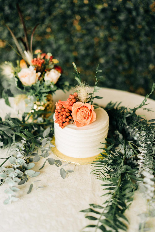 www.santabarbarawedding.com | Brandon Bibbins Photography | The Cottages at Polo Run | Pure Joy Catering | Wedding Cake