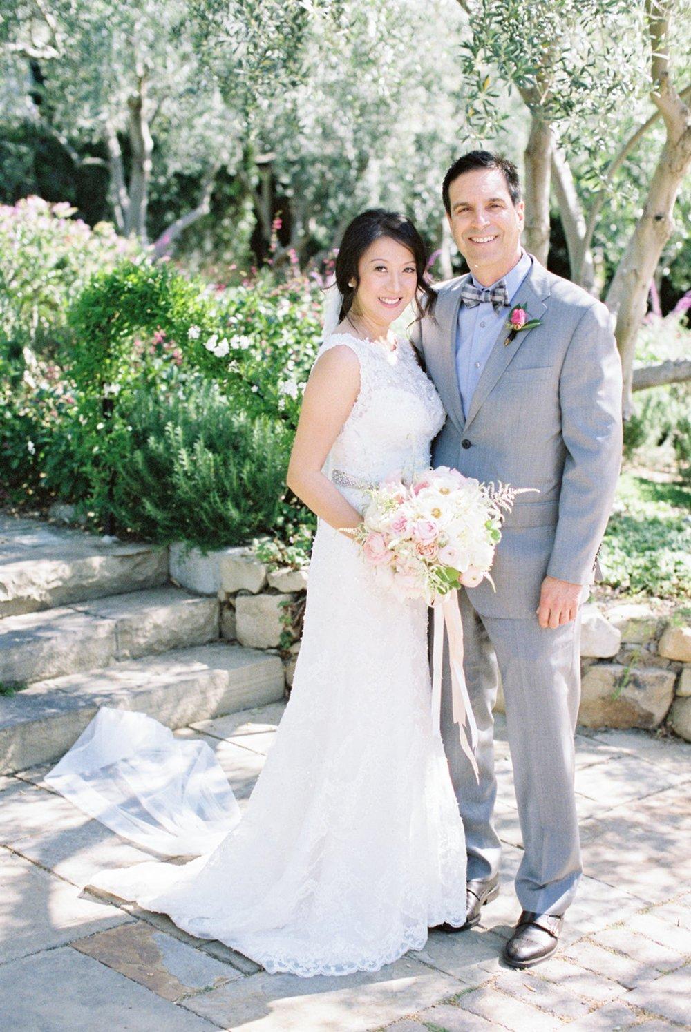 www.santabarbarawedding.com   Michael + Anna Costa Photography   San Ysidro Ranch   Twine Events   Coco Rose Design   Bride and Groom Pose