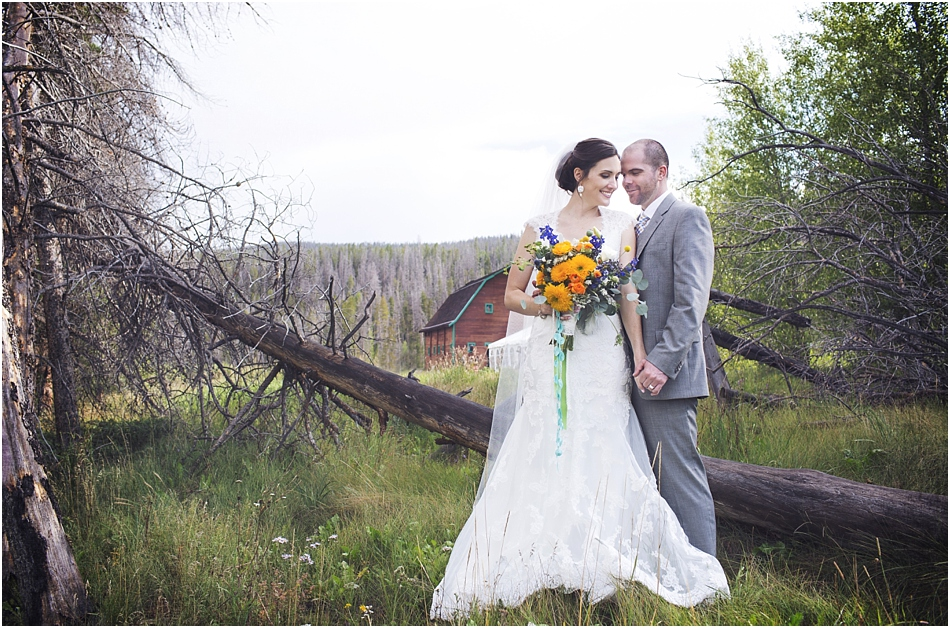 AA Barn Wedding Grand Lake Colorado | Mary and Marshall's AA Barn Wedding_0037