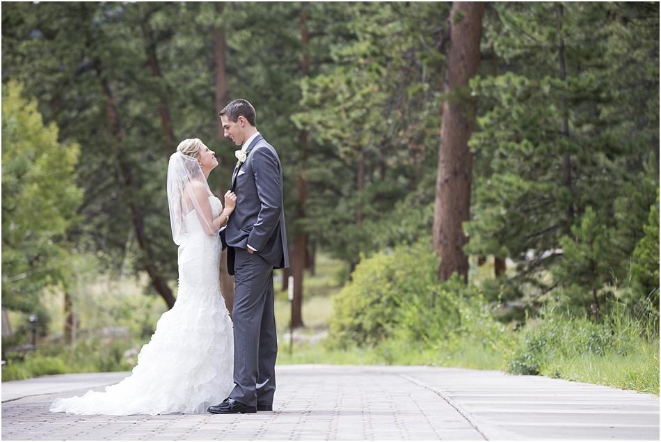 Della Terra Estes Park Wedding Photographer | Katine and Grant's Wedding Photos_0037