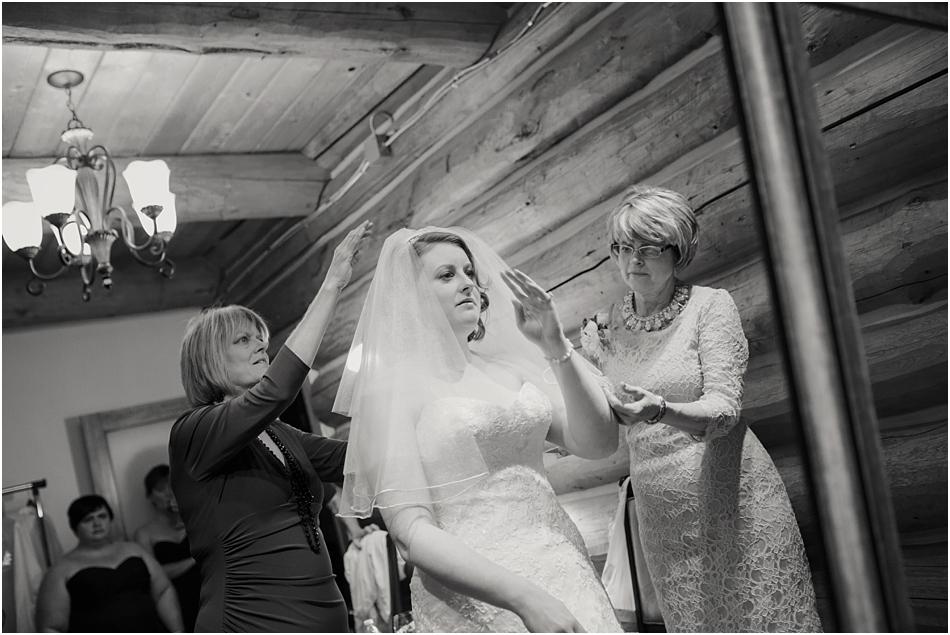 Evergreen Lake House Wedding | Kara and AJ's Evergreen Colorado Wedding_0008