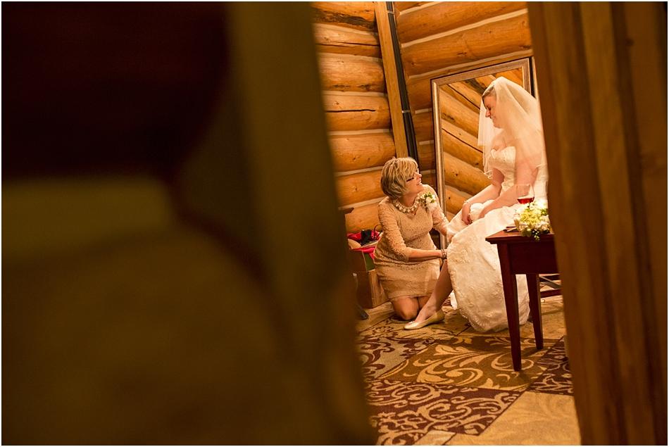 Evergreen Lake House Wedding | Kara and AJ's Evergreen Colorado Wedding_0009