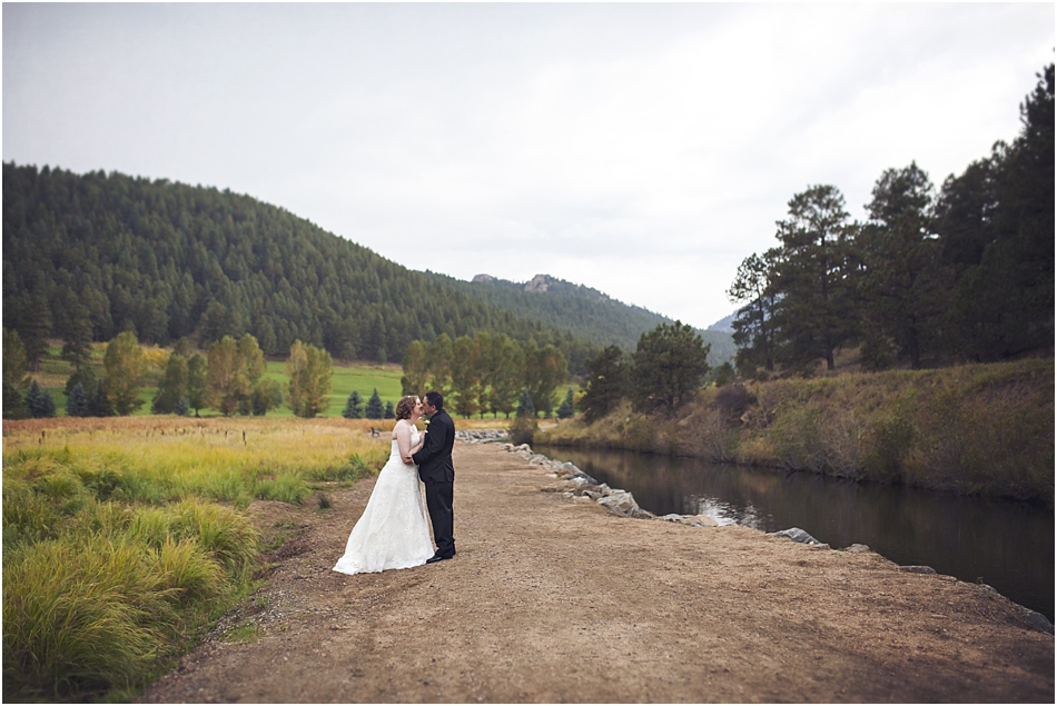 Evergreen Lake House Wedding | Kara and AJ's Evergreen Colorado Wedding_0027