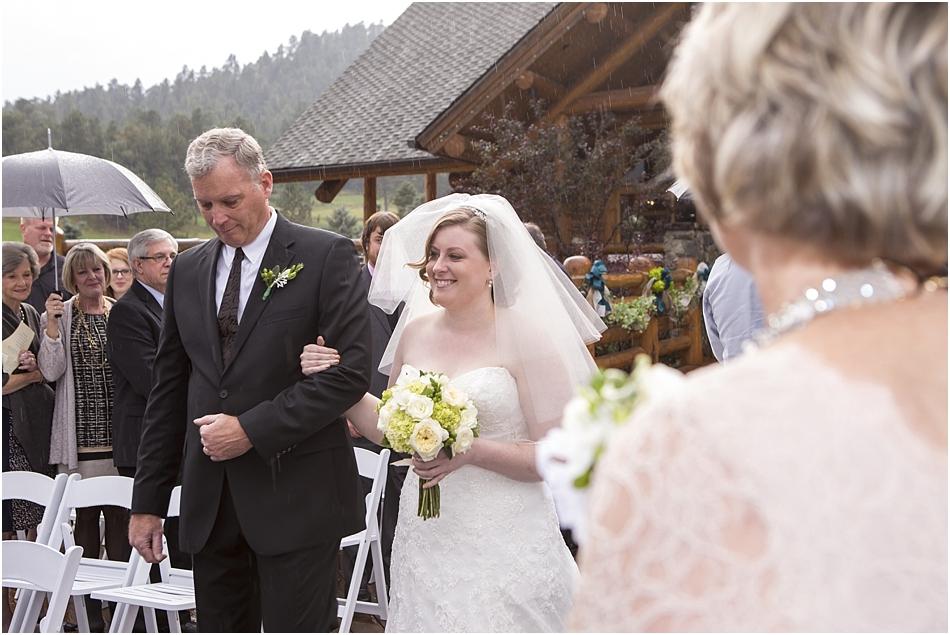 Evergreen Lake House Wedding | Kara and AJ's Evergreen Colorado Wedding_0033