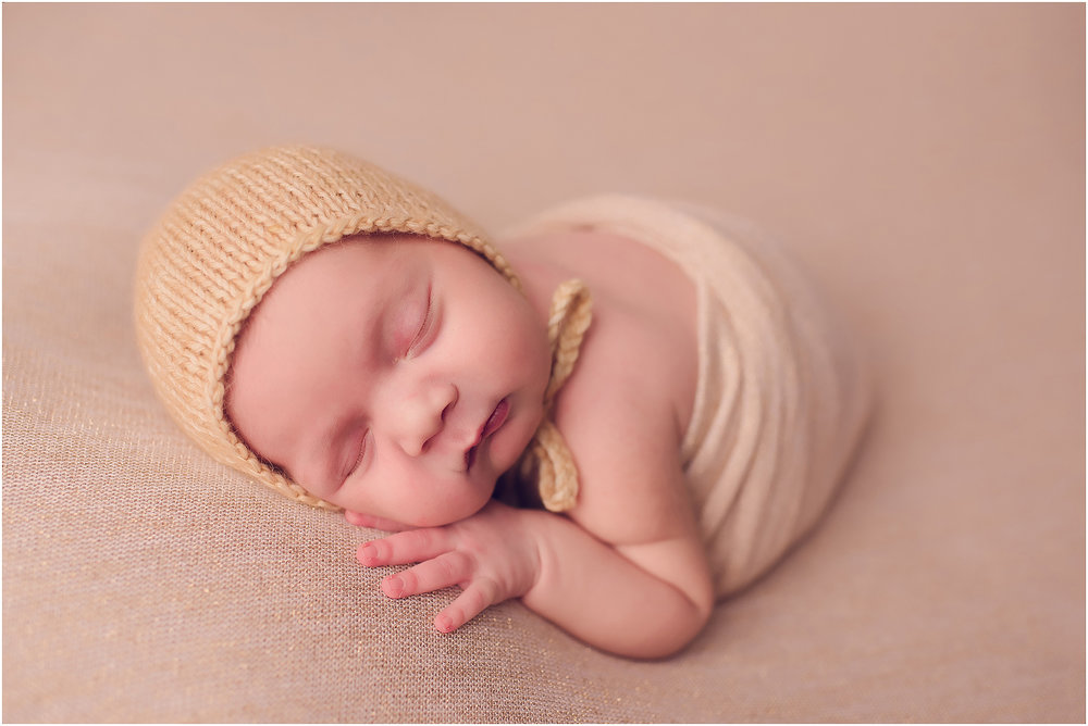 Newborn photographer Kennewick.jpg