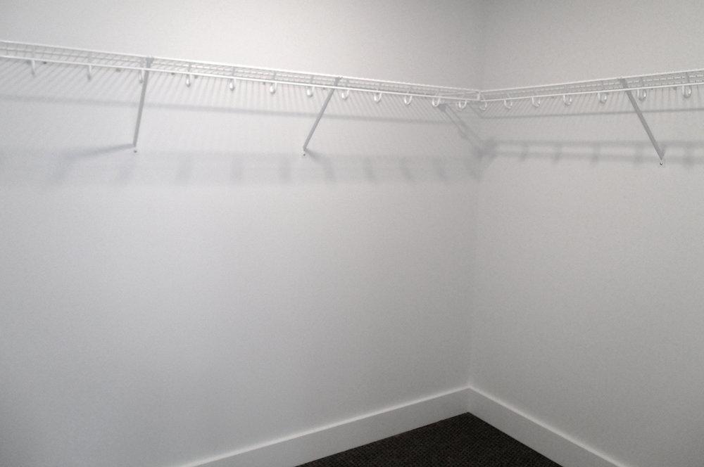 closet_opt.jpg