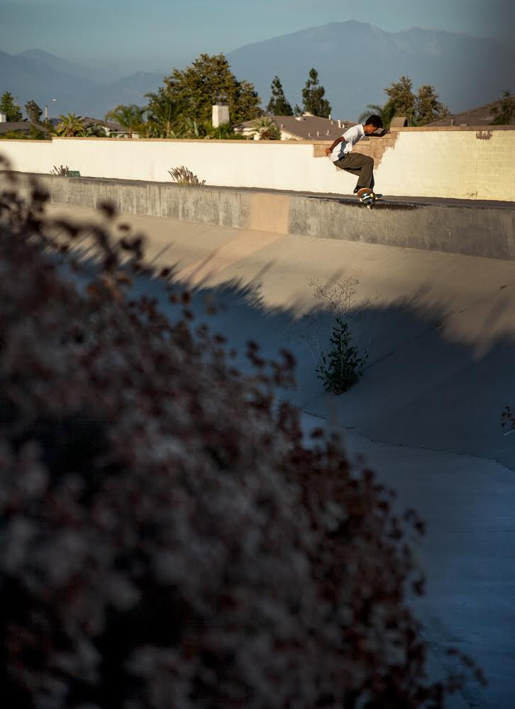 Santana Saldana - Front Crook Fakie