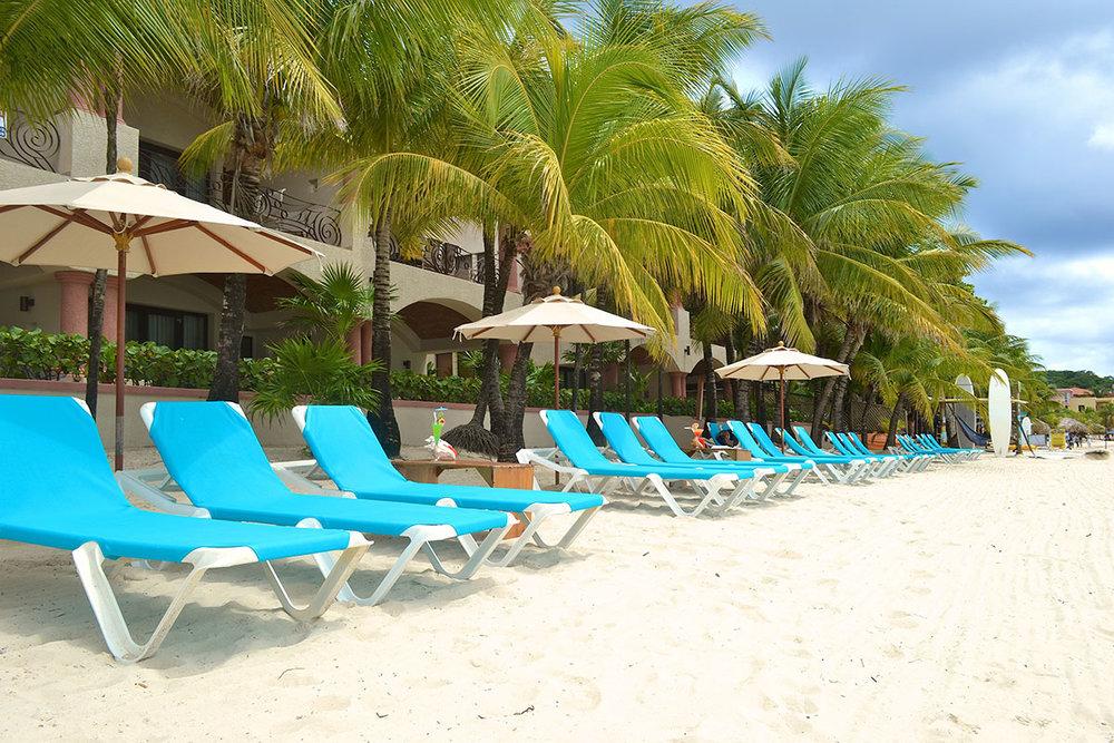 Las-Sirenas-Beach-1-e.jpg