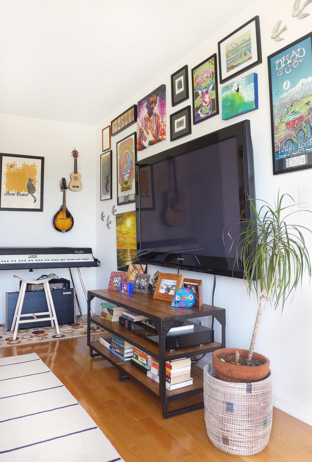 tv corner.jpg