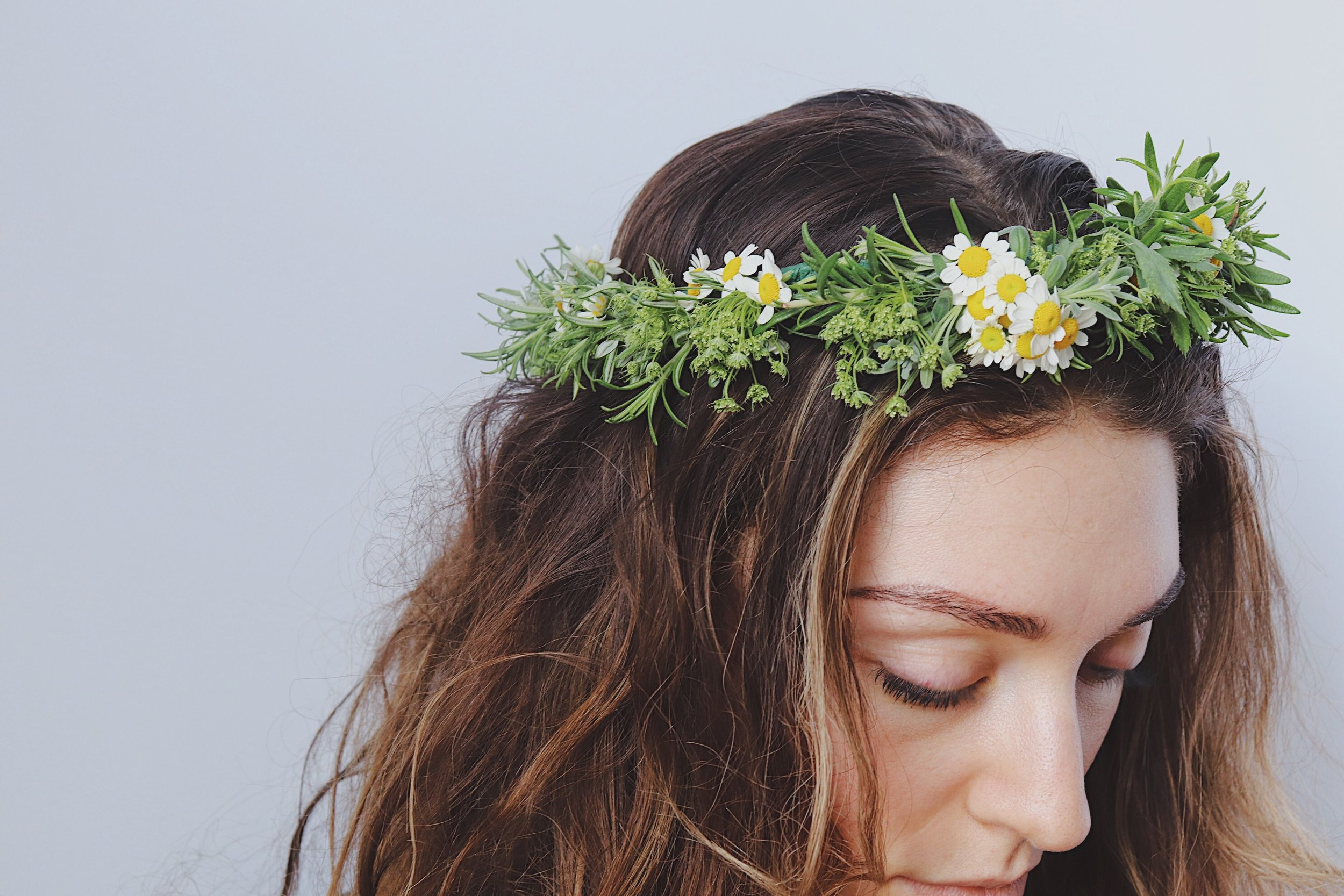 How to make a flower crown from team flower how to make a flower crown izmirmasajfo
