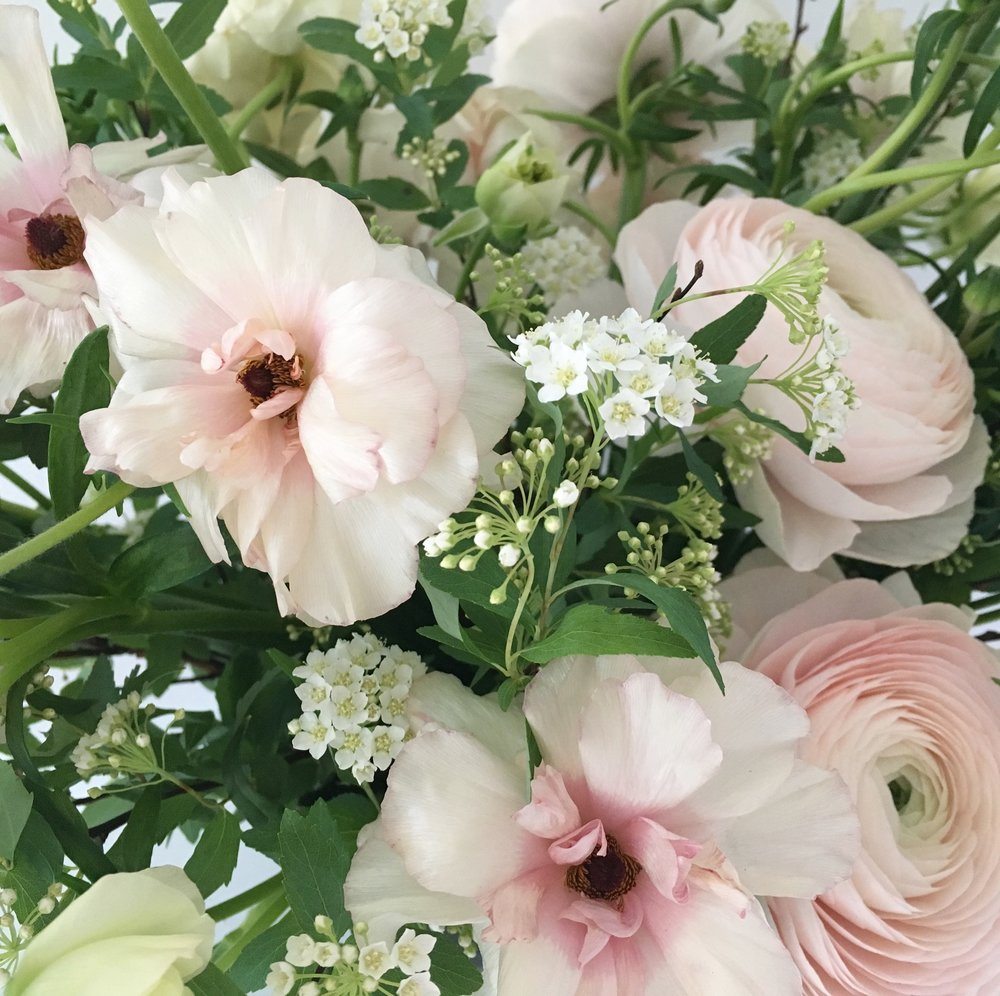 Video designing small flower arrangements from team flower by working through the purpose of each element of design kelly builds small but visually impactful compote style arrangment that can be used on a round izmirmasajfo