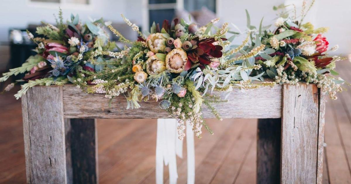 bouquets simultaneously