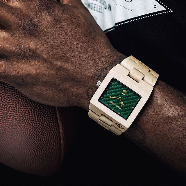 Special edition American maple wood watch designed in collaboration with Davante Adams (@taeadams). Save $20 and get a FREE set of cufflinks with every order!