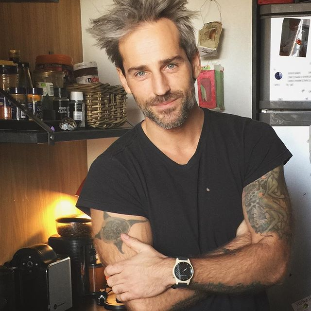 Time for breakfast with danish model @oliverbjerrehuus and #thegarwoodwatch #showusyourgarwood #thegarwood360 #woodwatch