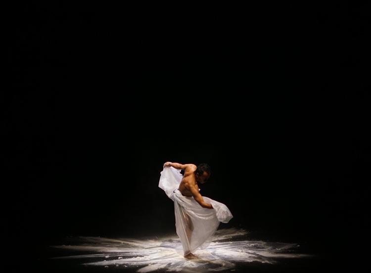 Eko Supriyanto in  Salt , photographed by Eko Wahyudi