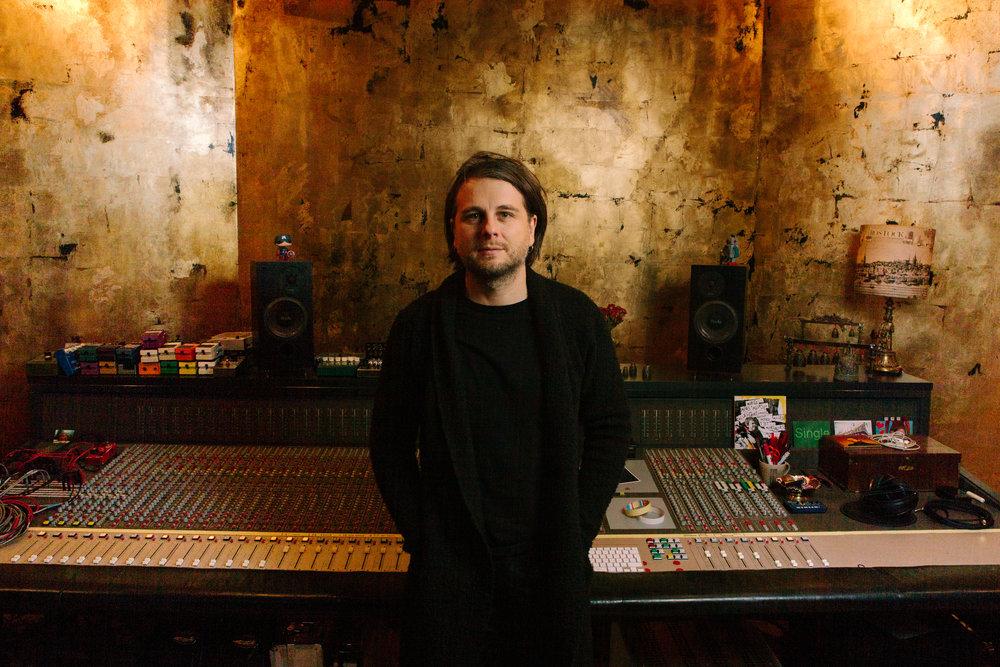 Studio Tobias 5 www.christophbombart-photography.com.jpg