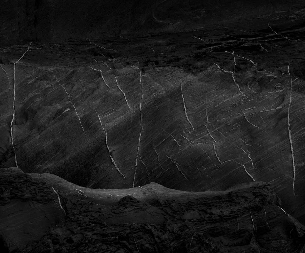 2. The distant storm_102cm x 80cm _2015 copy.jpg