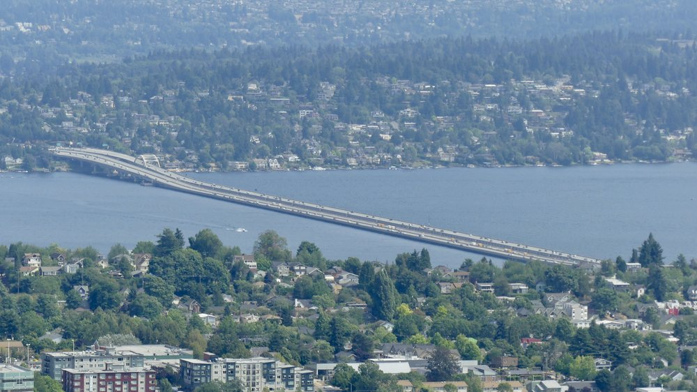 Evergreen Point Floating Bridge, the longest in the world (2350 metres), across Lake Washington