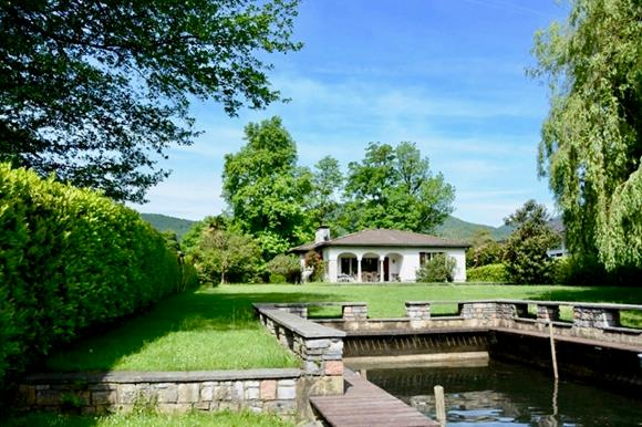 Lake front plot near Lugano for sale in Ticino, Switzerland