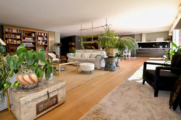 Sehr grosses Wohnzimmer - Luxuswohnung im Tessin zu verkaufen