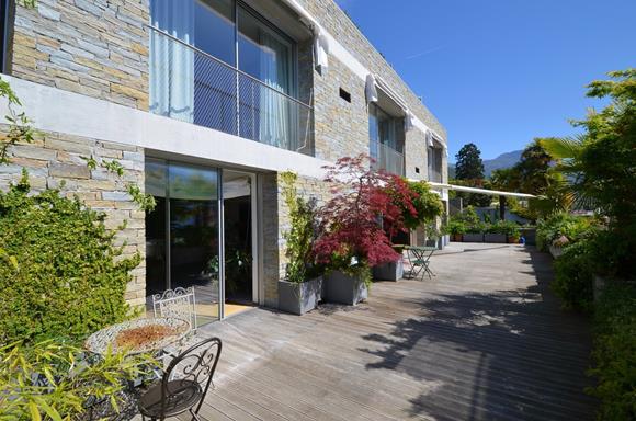 Terrasse -Luxuswohnung Schweiz mit Seeblick zu verkaufen