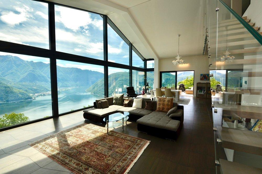 Luxusimmobilien in Carona Schweiz mit Swimming Pool zu verkaufen