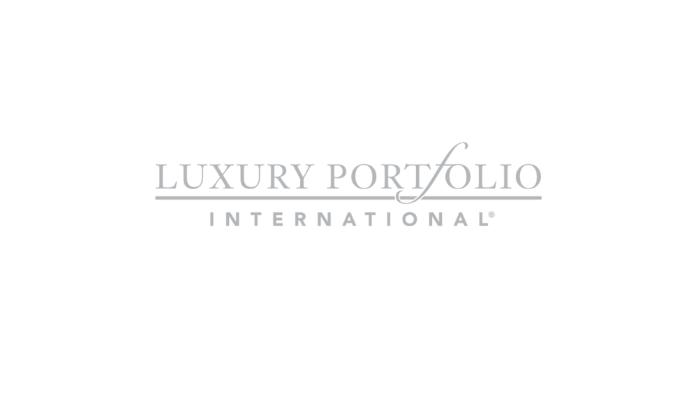 Luxury Portfolio Logo HD.png