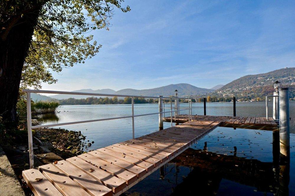 Posto barca con giardino privato diretto al lago,Bella casa a Montagnola, vicino a Lugano,Svizzera in vendita
