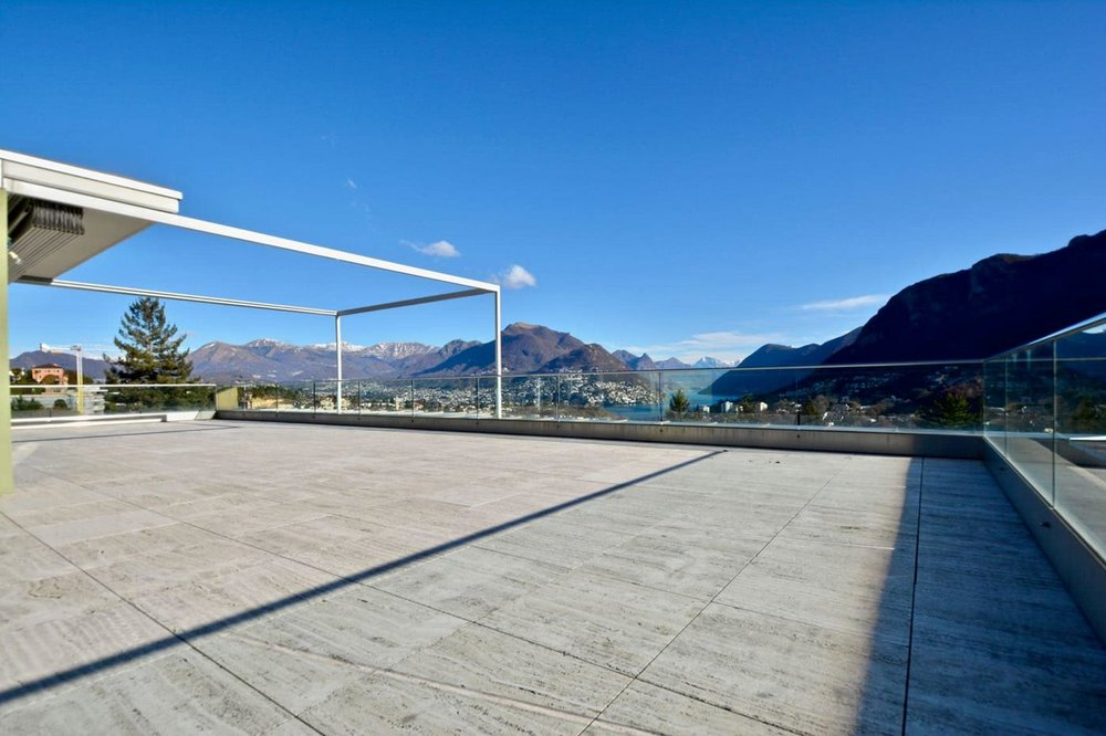 Big terrace,Spacious living room,modern apartment with beautiful lake view in Montagnolam, Switzerland for sale