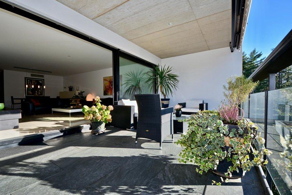 Schöne Terrasse, Wohnung in Gentilino nähe Lugano, Schweiz zu verkaufen