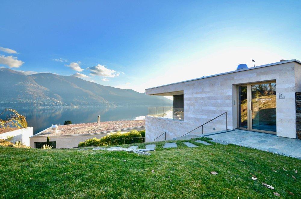Vista magica sul Lago Maggiore.Appartamento attico in zona dominante ad Ascona, Svizzera in vendita con vista sul Lago Maggiore.