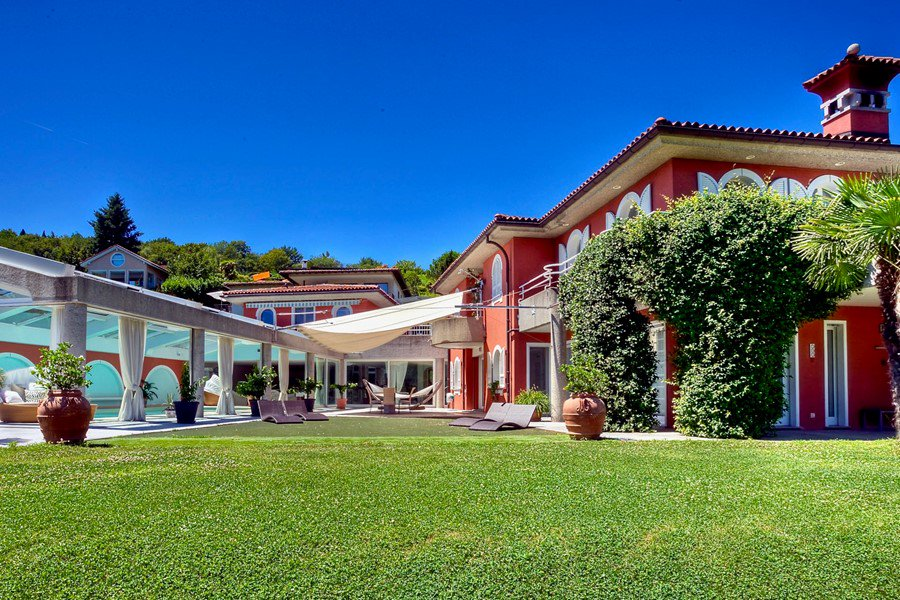 Villa in Carona, Ticino, Switzerland with Lake Lugano view for sale