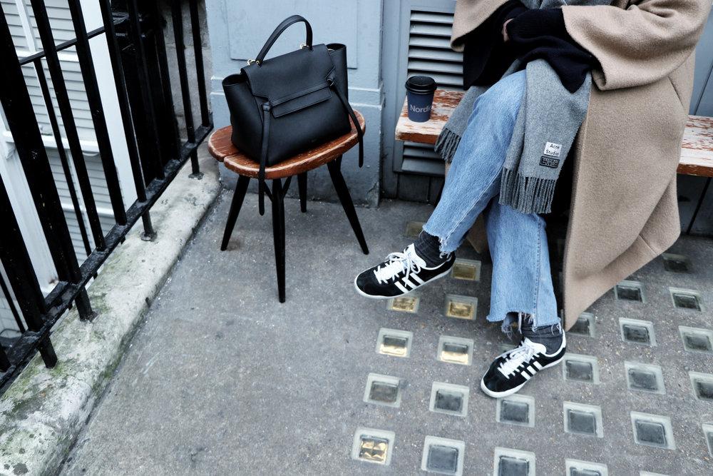 coat/HM jeans/VINTAGE LEVIS knit/HM scarf/ ACNESTUDIOS  bag/ CELINE  trainers/ ADIDAS