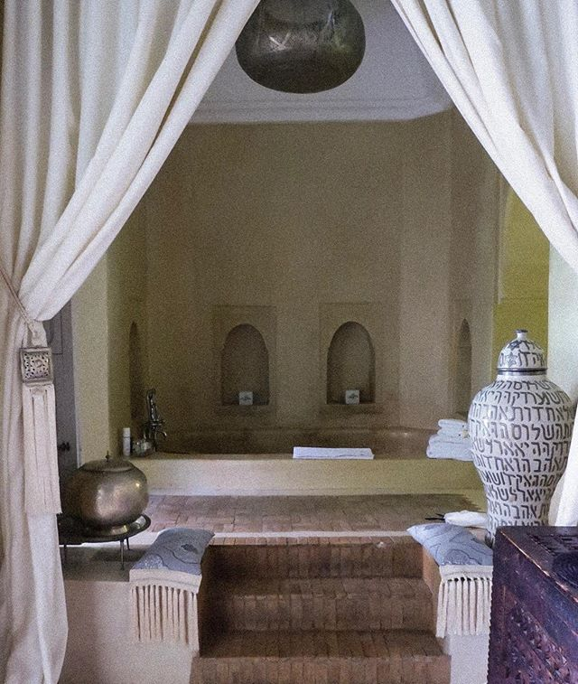 Look at this bath tub situation! The Anayela is not only a great Riad but as Marrakech can be overwhelming at times, it's also one of the best at hosting you. You're given a cell phone to carry with you just in case you need to call a taxi, or the hotel. The phones are fully charged and ready to go. I've made use of the phone on many occasions, often after a day of exploring. They also offer one of the best tour guides who show you the very best that the red city has to offer. #originalexperiences #designhotels #anayela #theredcity #marrakesh