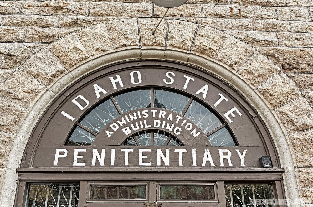 old-idaho-penitentiary-administratin-building.jpg